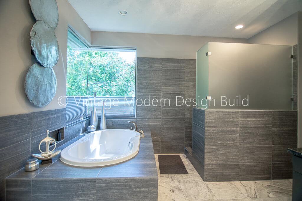 Minimalist Modern Bathroom Remodeling Contractor- Austin, TX