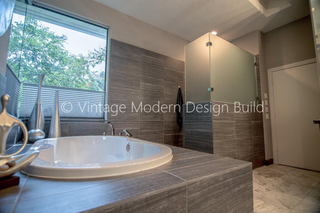 Minimalist Modern Bathroom - design Austin, TX