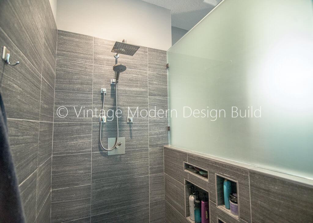 Minimalist Modern Bathroom Walk in Shower Contractor - Austin, TX