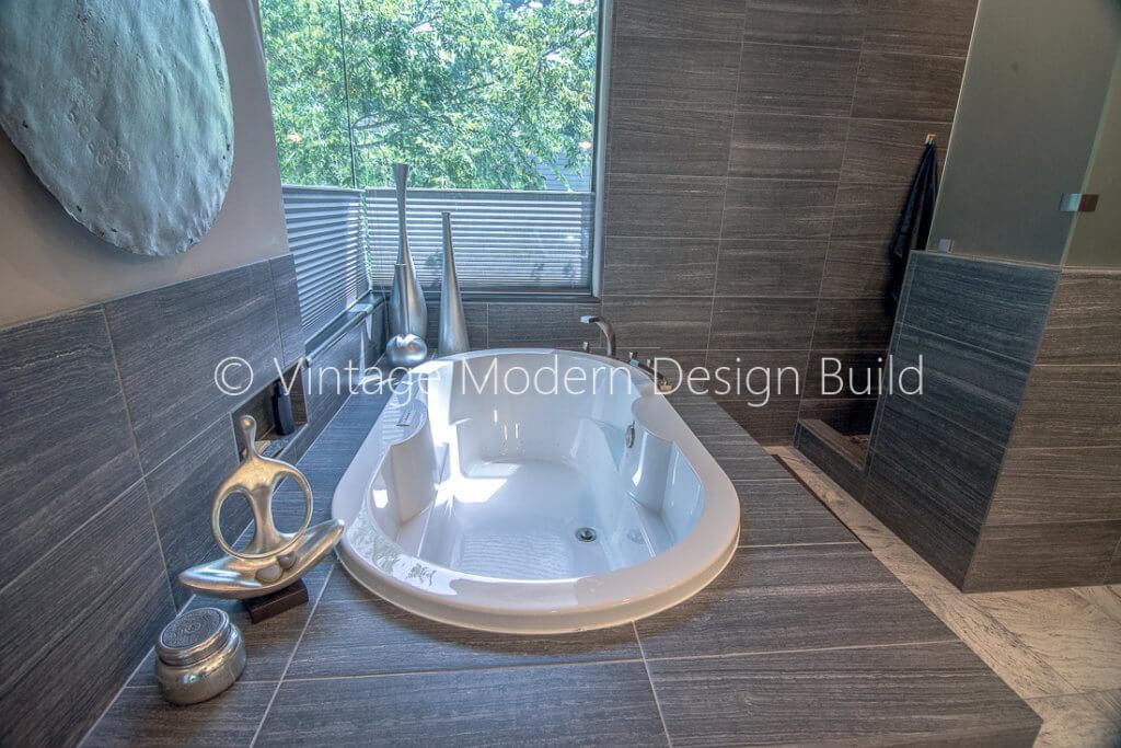 Minimalist Modern Bathroom Remodeling Contractor - Austin, TX
