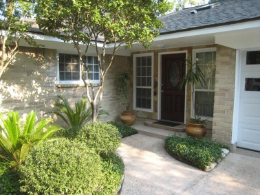 Before Picture of Slate Wrapped Exterior Remodel West Lake HIlls / Lakeway / Austin Tx