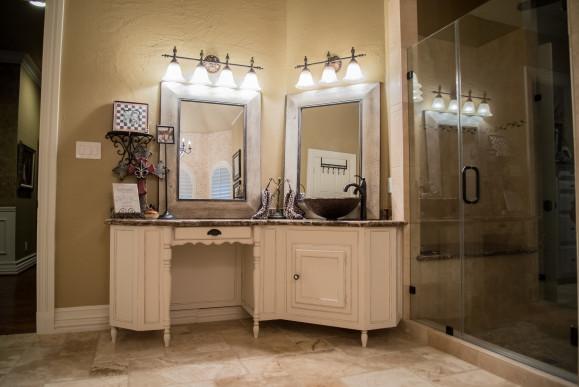 Custom Vanity Cabinet Bathroom Remodel in West Lake HIlls / Austin Tx