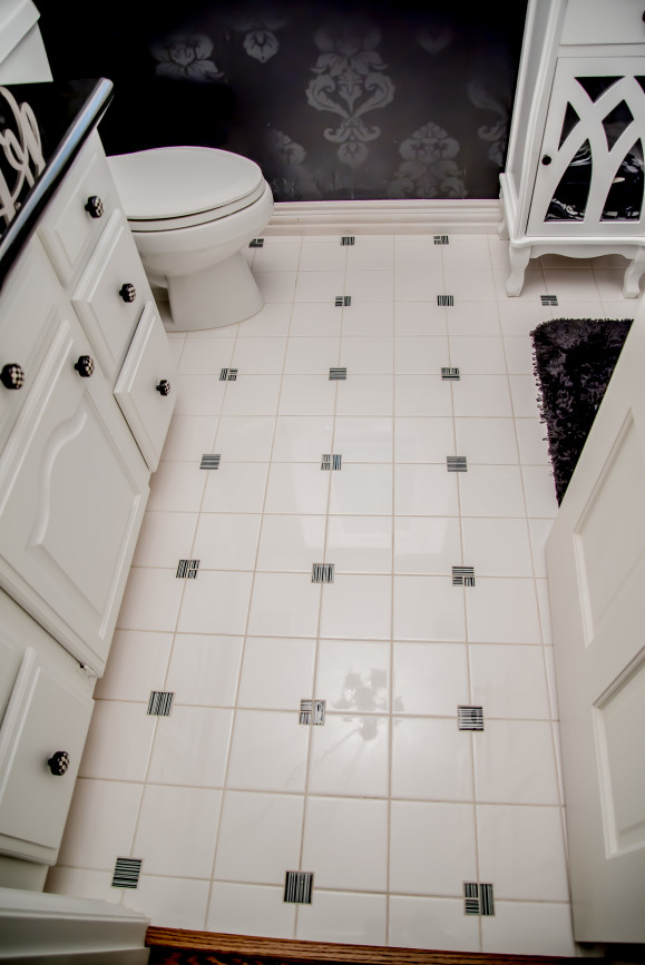 B&W Bathroom Remodeling project in Austin Tx