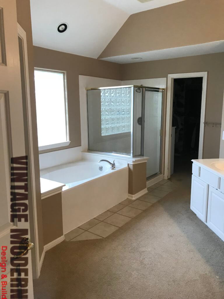 Victorian Transitional bathroom remodel Austin Before